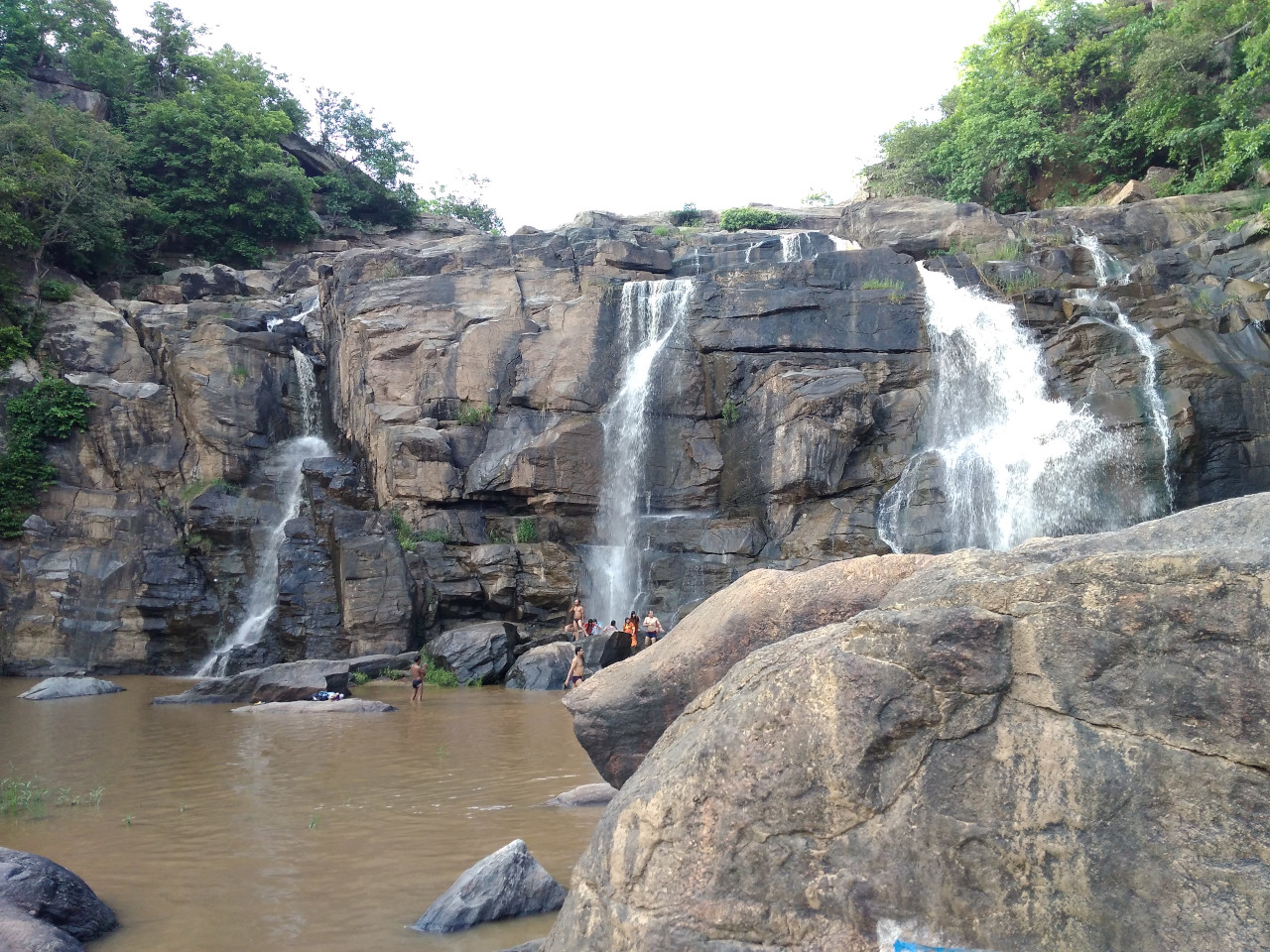 Hudru Waterfalls. Beautiful India waterfalls to see on your holiday in India.