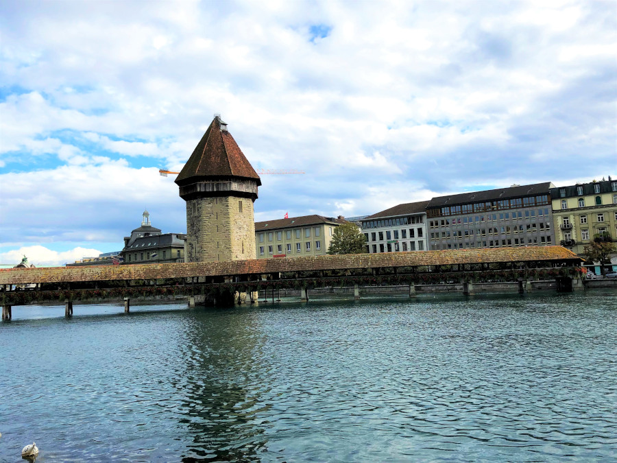 Lucerne Kapellbrücke (Chapel Bridge), photo by MyFaultyCompass. Here are the top places to visit in Lucerne, Switzerland. This Lucerne guide covers everything you need to know about visiting Lucerne.