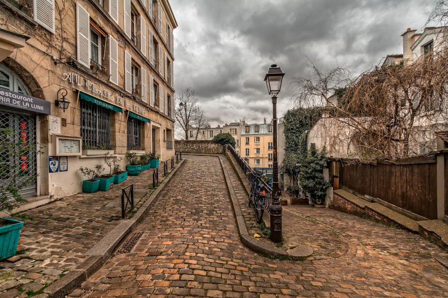 Paris - Montmartre. Paris mistakes to avoid