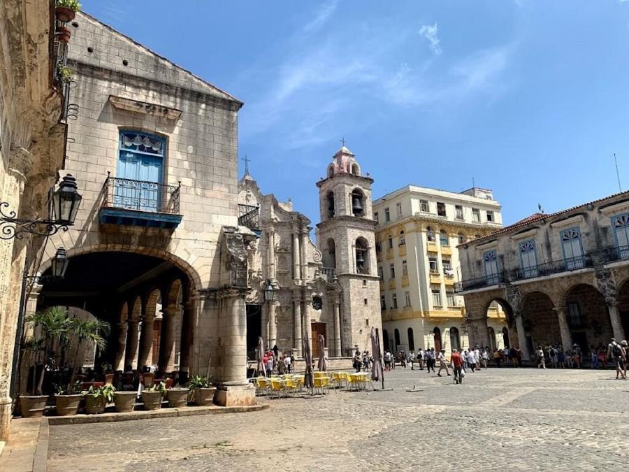 Плаза де ла Катедраль, Гавана, Куба. Ваш инсайдерский гид по Гаване с главными достопримечательностями в Гаване, по проторенной дороге, чем заняться в Гаване, и многое другое. Гавана, Куба, еда, отели и советы Гавана, Куба, еда, отели и советы plaza de la catedral