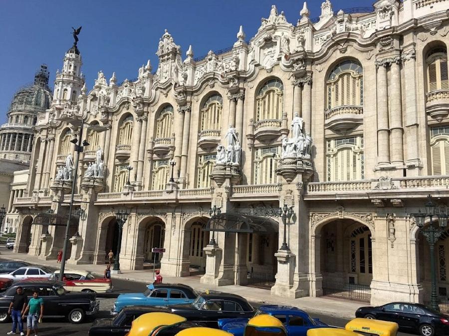Teatro Nacional - National Theatre, Havana Cuba. The best places to visit in Havana Cuba