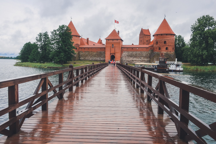 Trakai Island Castle. What to do with 3 days in Vilnius: the best places to visit in Vilnius, hotels, Vilnius food, and more.