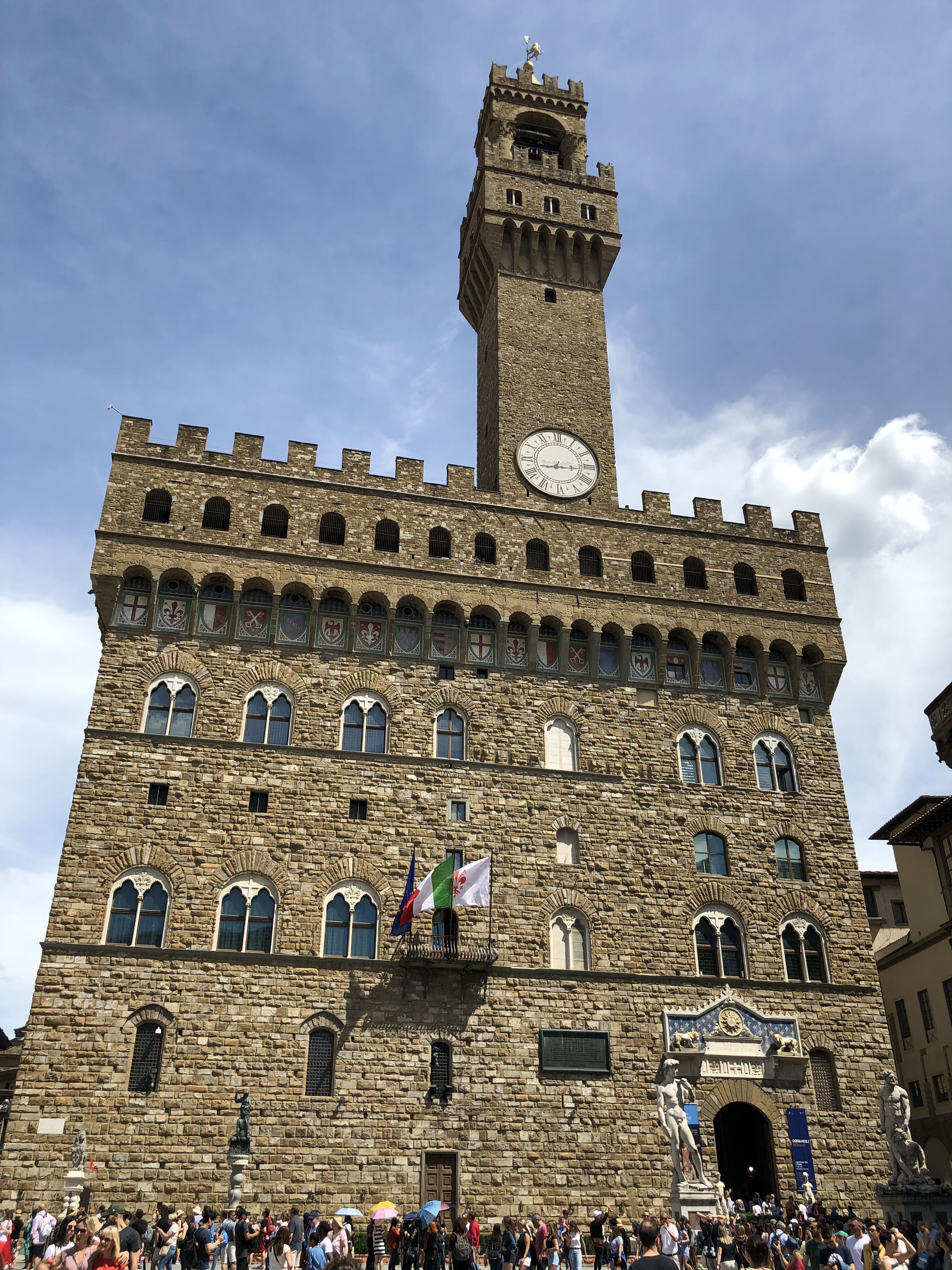 Palazzo Vecchio, Florence, Italy. The best things to do in Florence, Italy, along with top hotels in Florence, and usedul Florence travel tips.