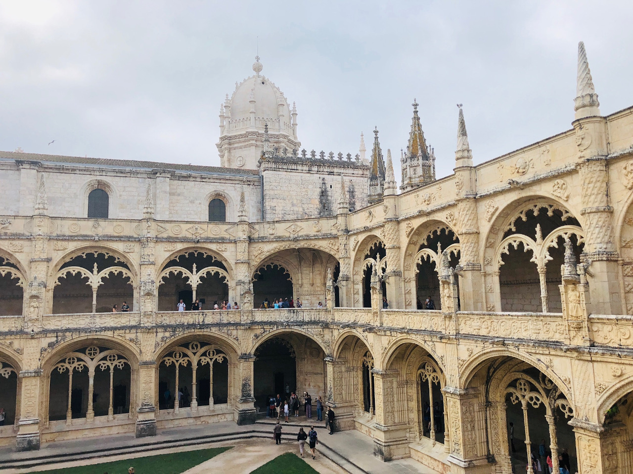 Jerónimos Monastery (Mosteiro dos Jerónimos) is one of the best things to see in Belem, Lisbon. Use this Belem guide to discover all the places to visit in Belem on your Lisbon trip