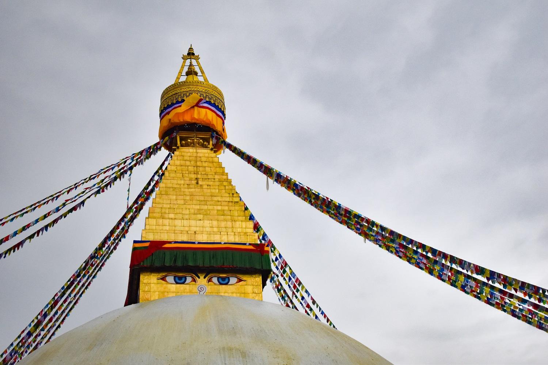 Ступа Будханатх - одна из достопримечательностей Катманду, которую нельзя пропустить. Вот лучшие вещи, которые можно сделать в Катманду во время вашей первой поездки в Катманду. Чем заняться в Катманду Чем заняться в Катманду? boudhanath stupa