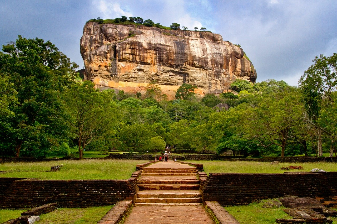 Sigiriya rock fortress, Sri Lanka. What to see in Sri Lanka and Sri Lankan cuisine