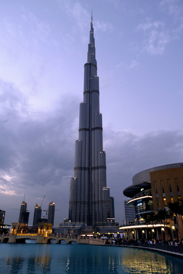 Burj Khalifa is one of the top things to see for free in Dubai. Find out what to do in Dubai on a budget with this guide to the free things to do in Dubai.