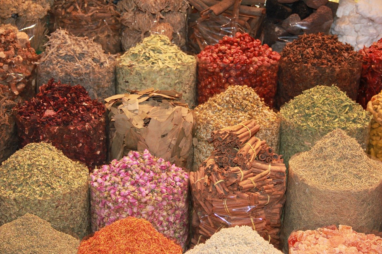 The Spice Souk is one of the best free things to do in Dubai. Discover more places to visit for free in Dubai from this article.