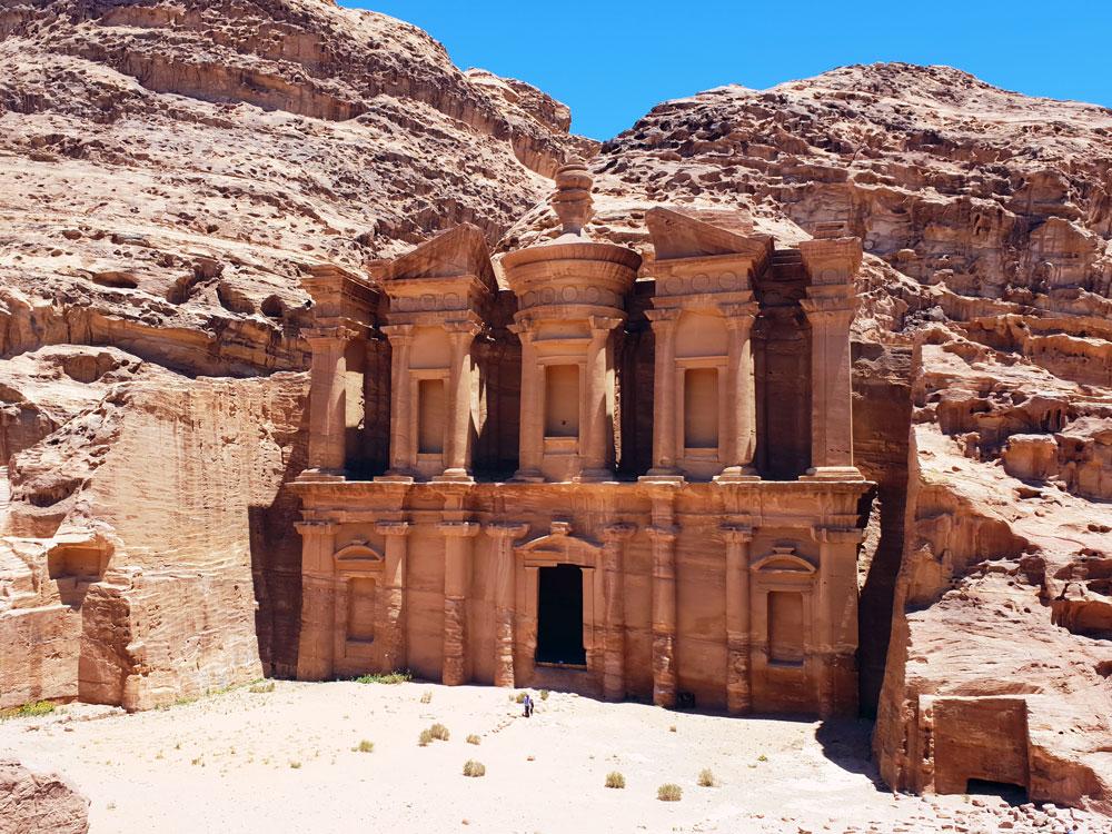 Включите монастырь Петра в свою поездку в Иорданию.  Узнайте, как посетить Иорданию за 7 дней с этой удивительной 1-недельной поездкой по Иордании. Иордании Маршрут 7 дней в Иордании Маршрут petra monastery 2