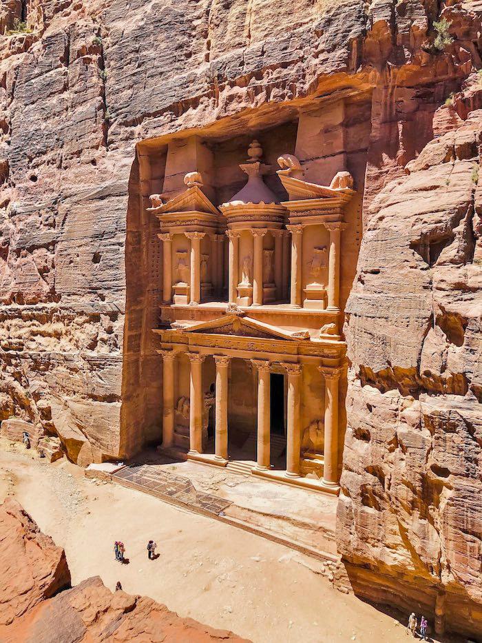 Петра Казначейство (Аль Хазна) является одной из достопримечательностей Петры и одним из лучших мест в Иордании. Узнайте, чем заняться в Иордании за неделю с этим иорданским маршрутом на 7 дней в Иордании. Иордании Маршрут 7 дней в Иордании Маршрут petra treasury viewpoint