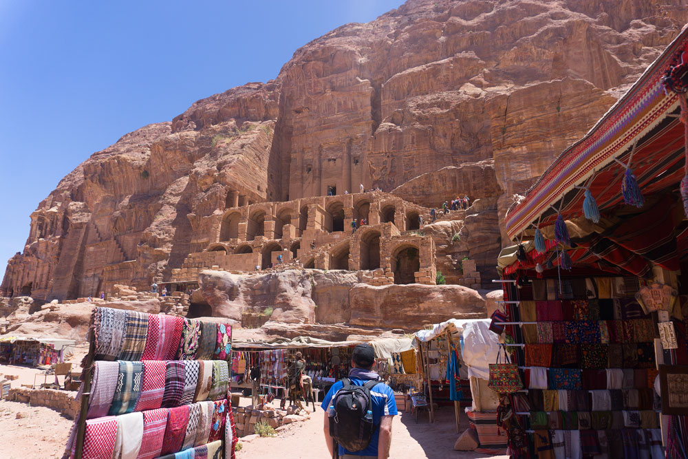 Царские гробницы в Петре.  Узнайте, как увидеть Иорданию за одну неделю из этого 7-дневного иорданского маршрута с лучшими местами для посещения в Иордании. Иордании Маршрут 7 дней в Иордании Маршрут royal tombs petra