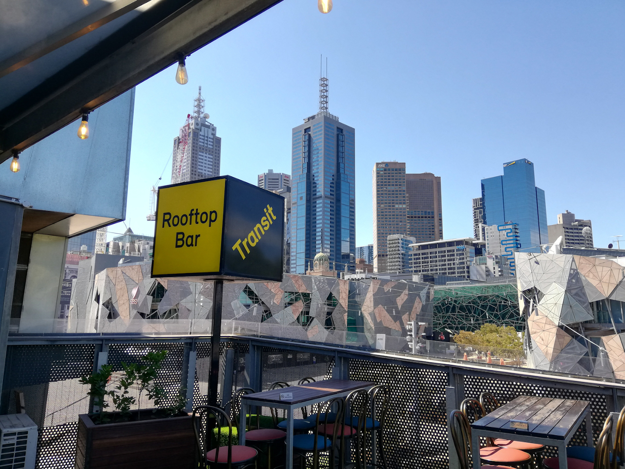Transit Rooftop Bar is one of Melbourne's best rooftop bars. Read this article to discover all the amazing bars to visit in Melbourne!