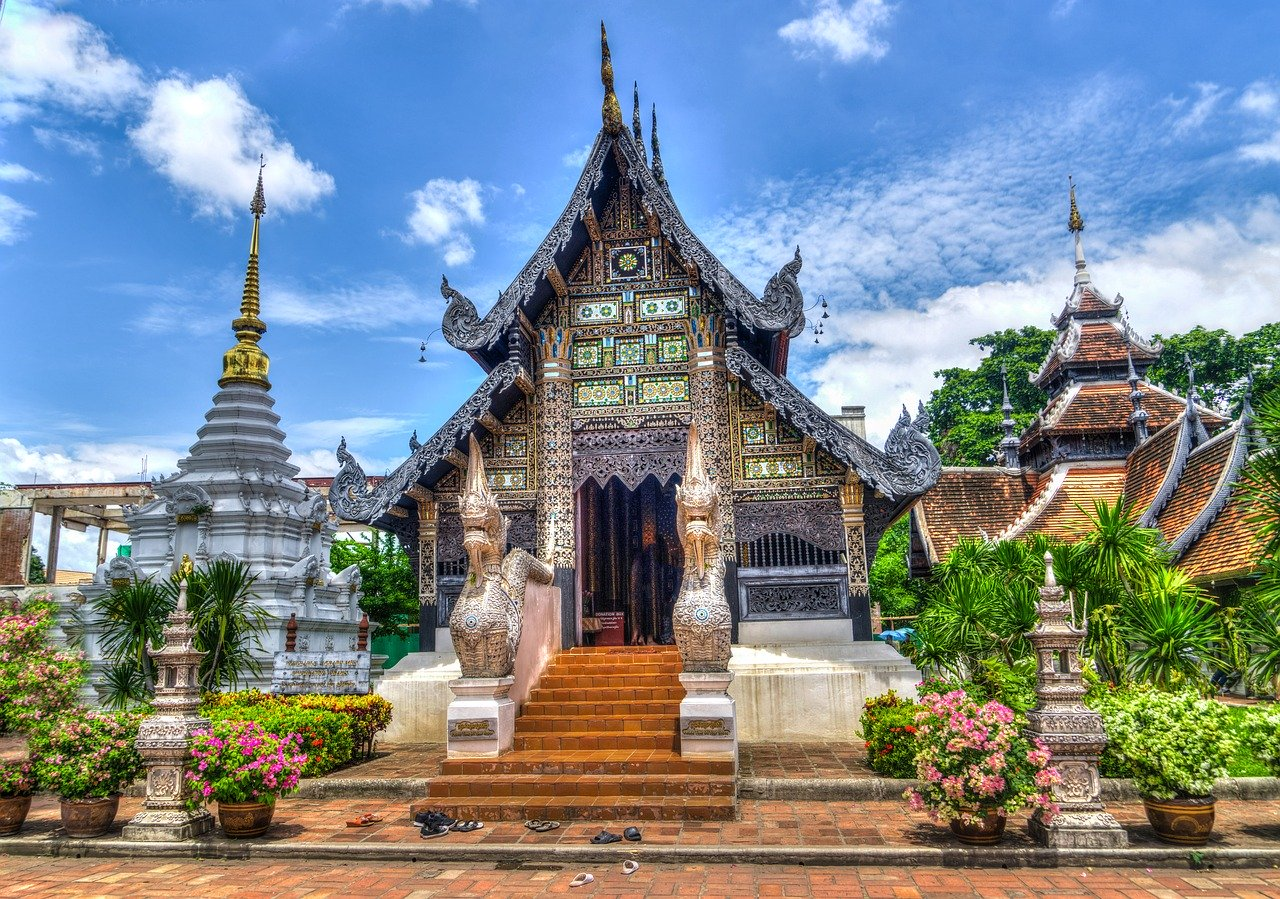 Chiang Mai temple. Tips for people moving to Thailand