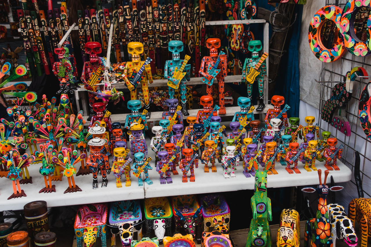 Chichicastenango, Guatemala is the biggest outdoor market in Central America. Discover the best Guatemala attractions and things to do in Guatemala from this ultimate guide to Guatemala.