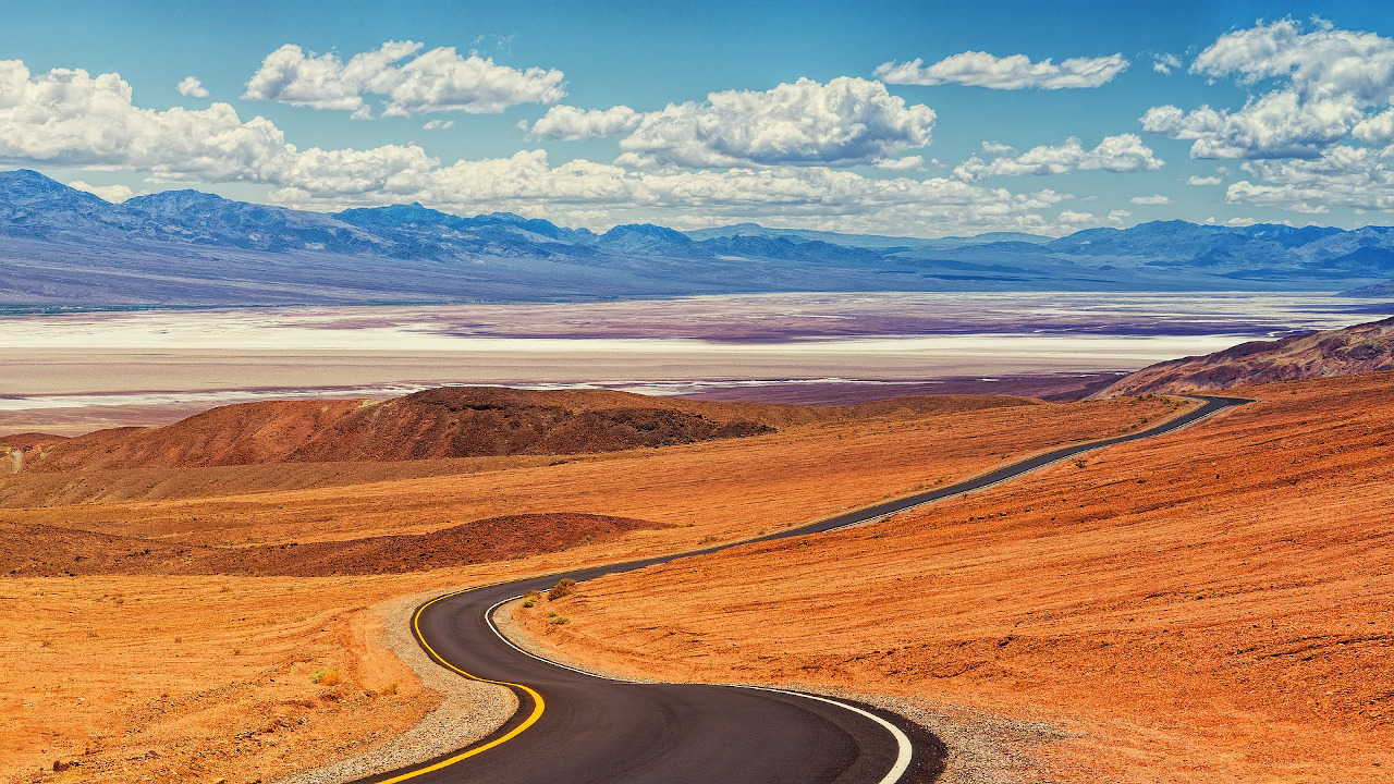 Death Valley National Park is one of the best places to visit near Las Vegas. Discover more things to do in and near Las Vegas and tips for renting a car in Las Vegas USA from this article.