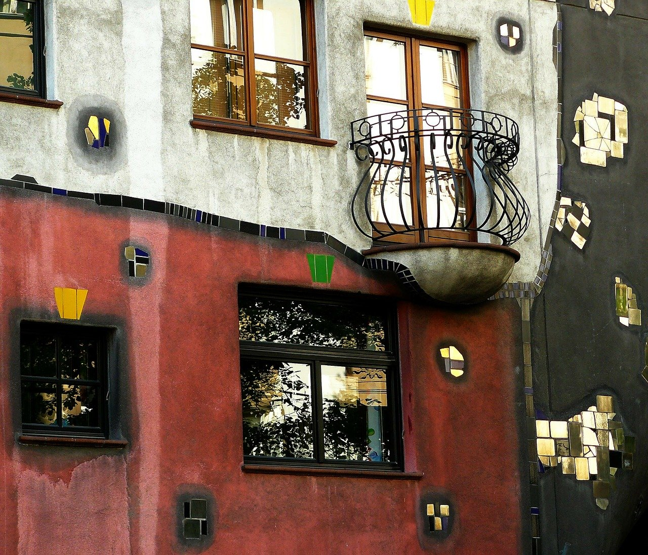 The Colorful Hundertwasserhaus is one of the best things to do in Vienna in March. Discover the other great things to do in Vienna in March here. Read the article now