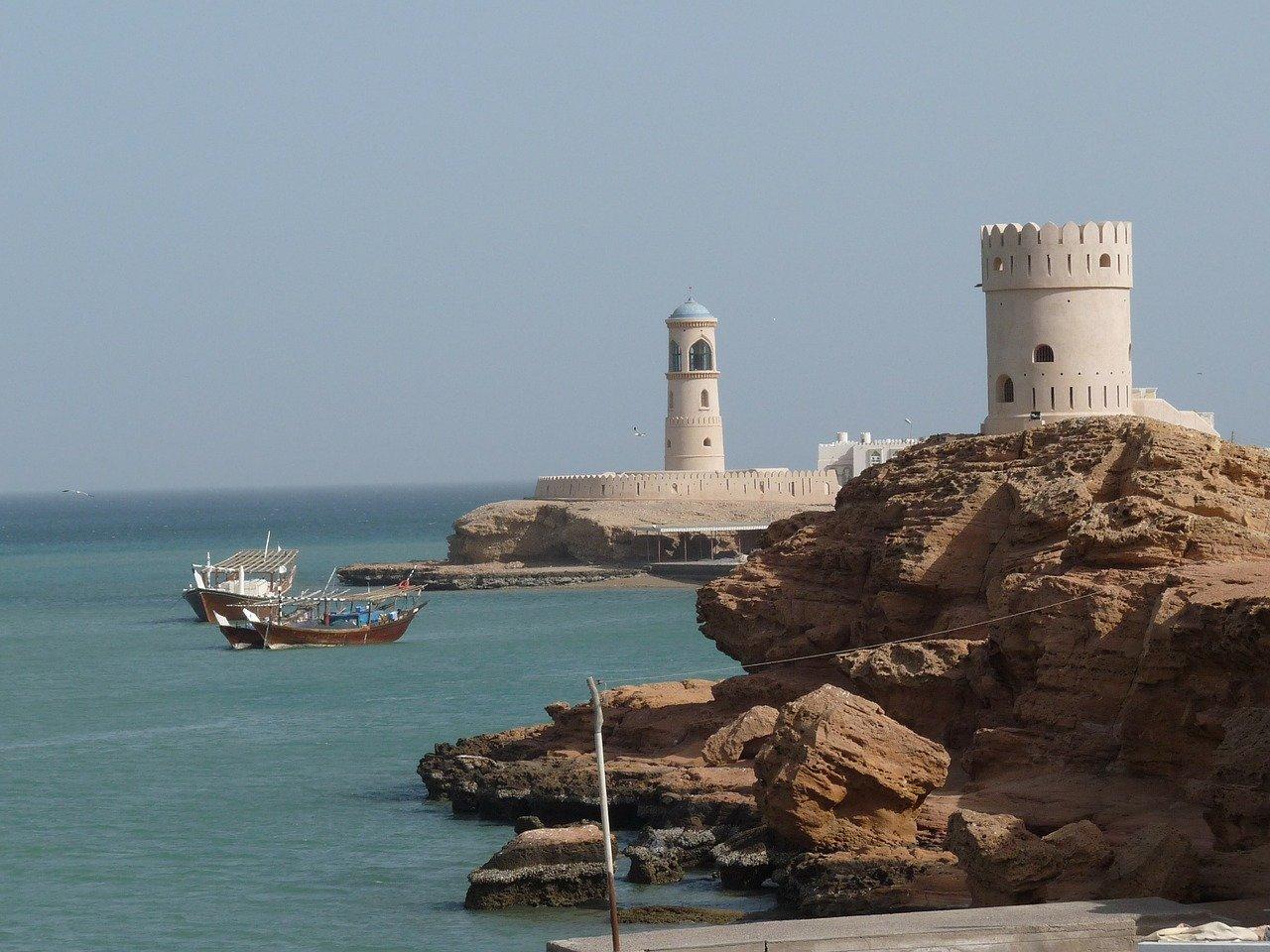 Индивидуальные путешественники в Омане: что нужно знать Путешественники-одиночки в Омане Путешественники-одиночки в Омане: безопасность, дресс-код и знакомство с людьми oman