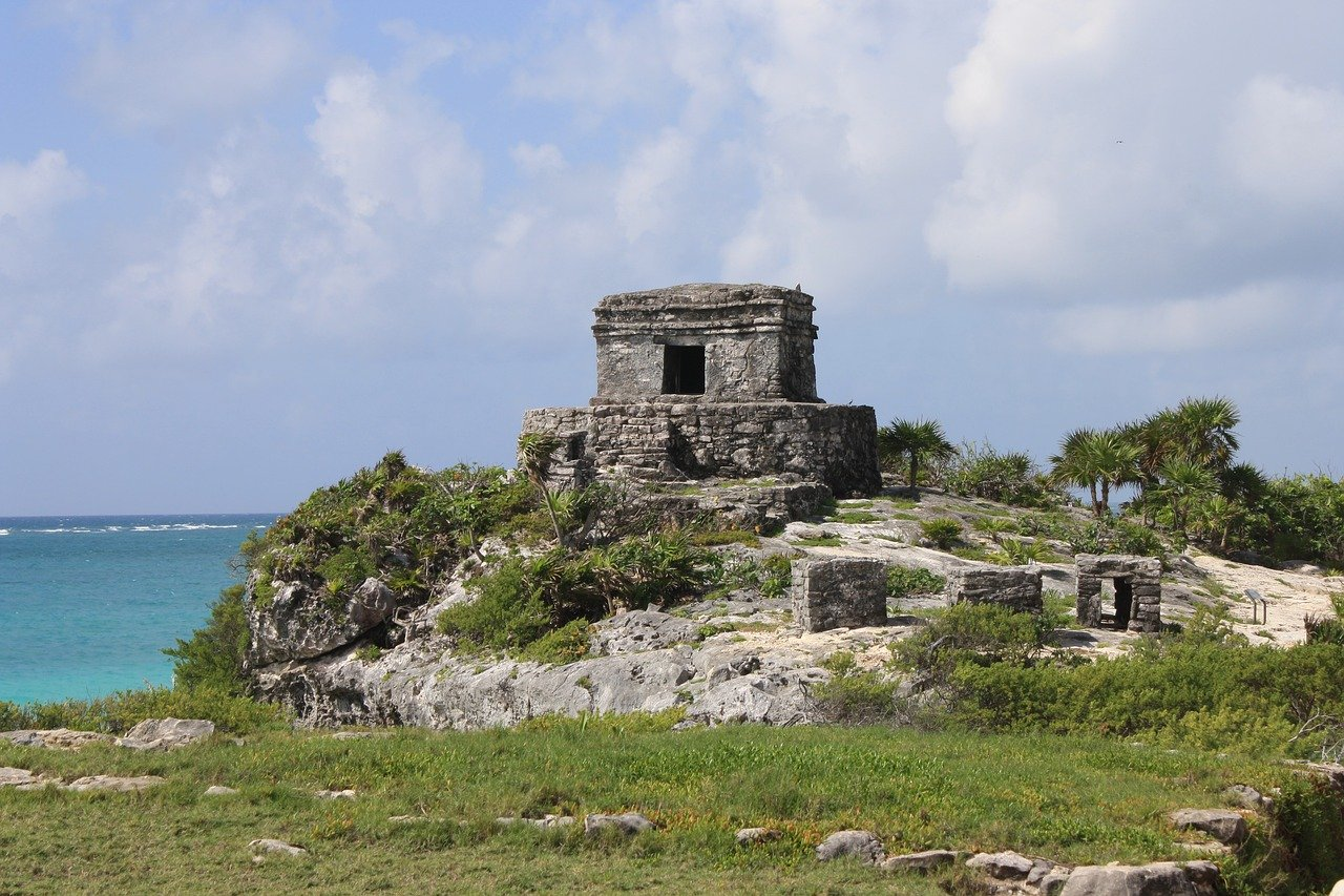 Tulum is one of the best historical sites to visit in the Riviera Maya in 2020