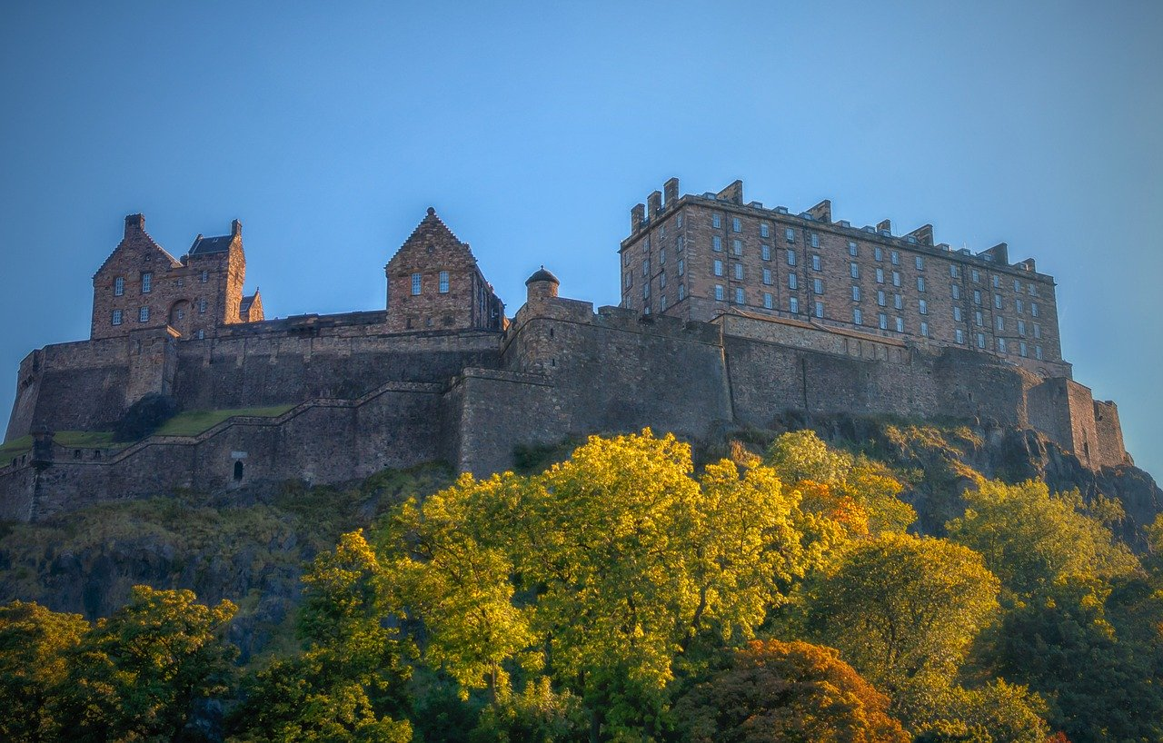 Visiting Edinburgh and seeing the Edinburgh Castle is one of the best post-lockdown adventures from Birmingham