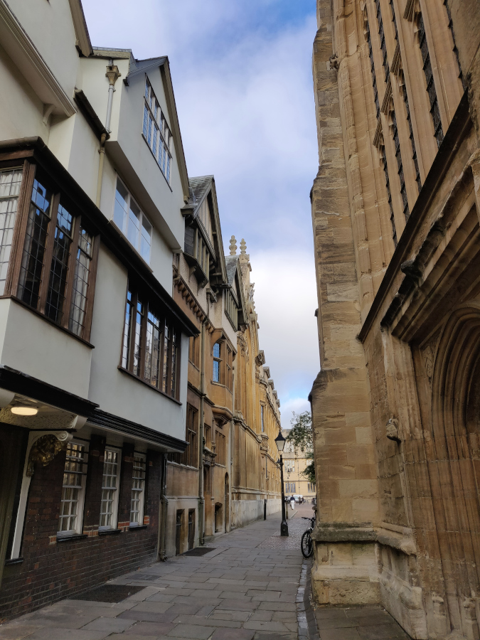 Oxford side streets worthy to be discovered. Here's how to explore Oxford to make the most of your day-trip to Oxford