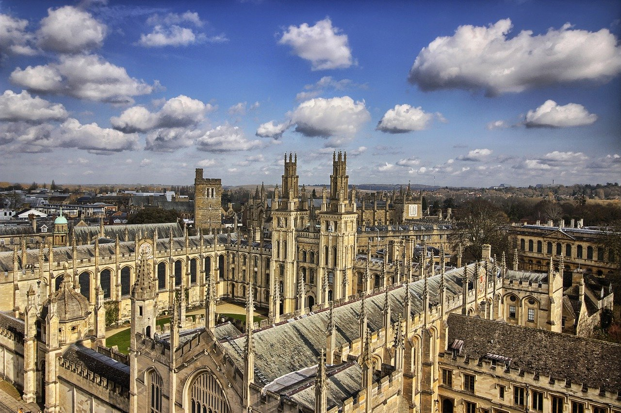 Seeing the Oxford University is one of the top things to do in Oxford
