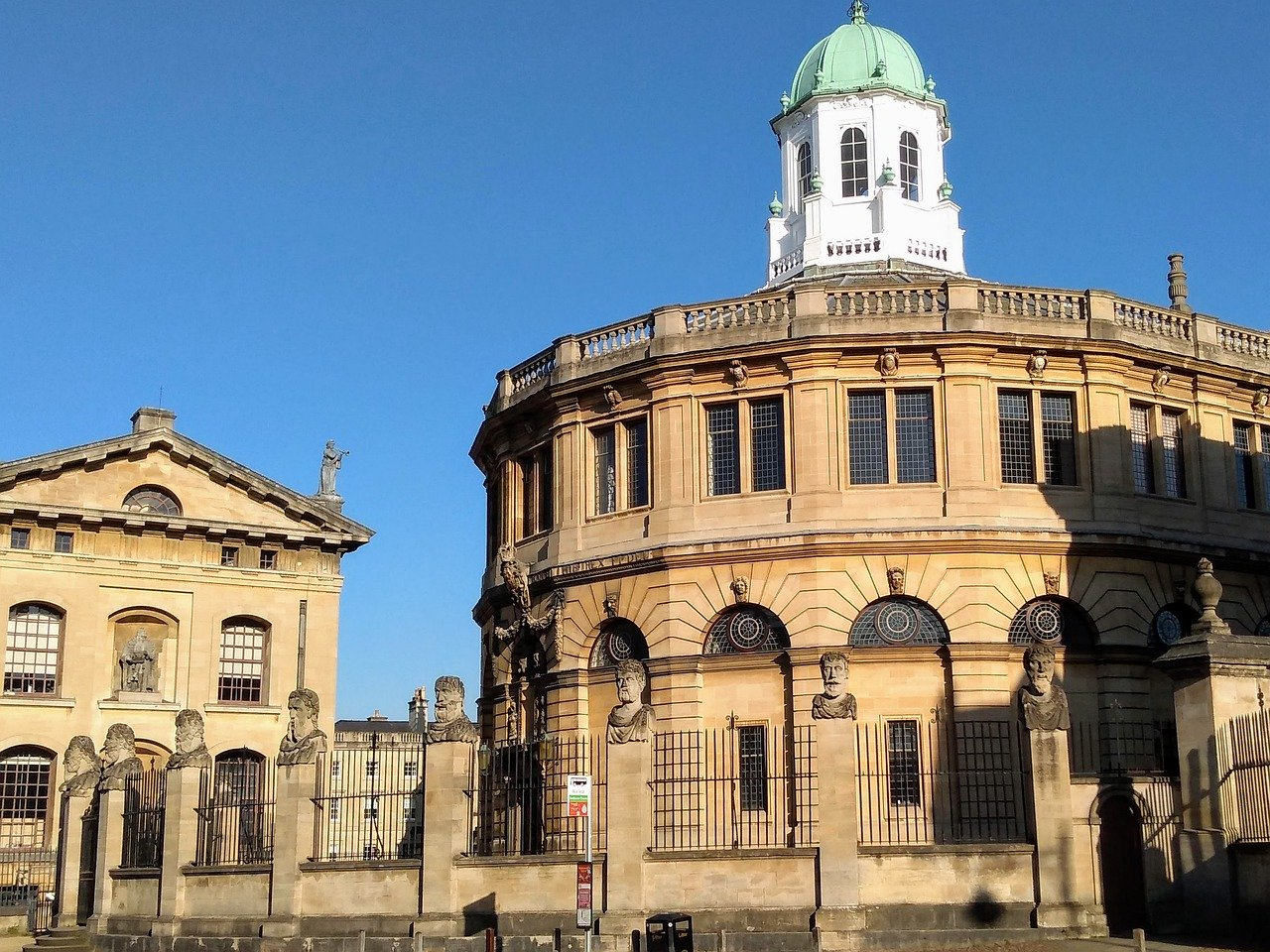 You must see the Sheldonian Theatre when you explore Oxford. Discover more Oxford attractions in the article