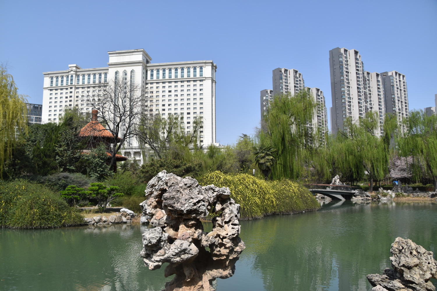 Insider's guide to Luoyang, China with the Luoyang attractions, restaurants, hotels, tips, and more