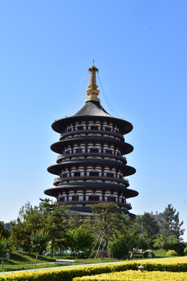 The Mingtan Scenic Area is one of the Luoyang attractions
