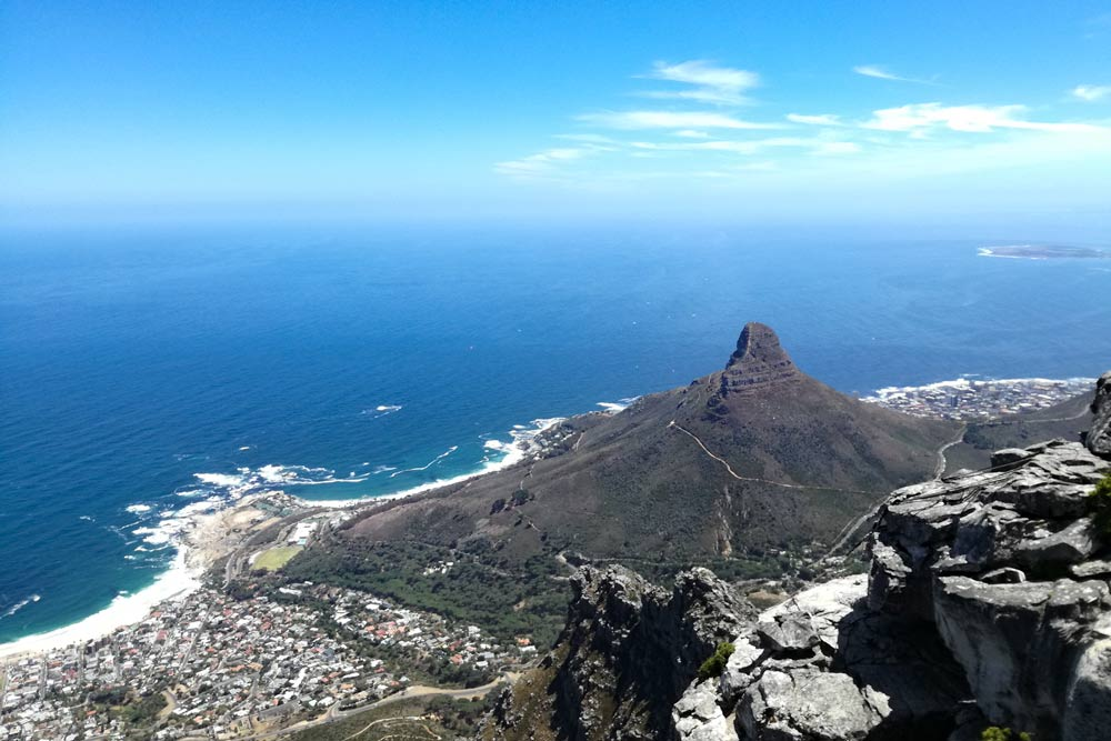 Don't miss the impressive view from the Table Mountain when visiting Cape Town, South Africa. Discover what to do in a weekend in Cape Town.