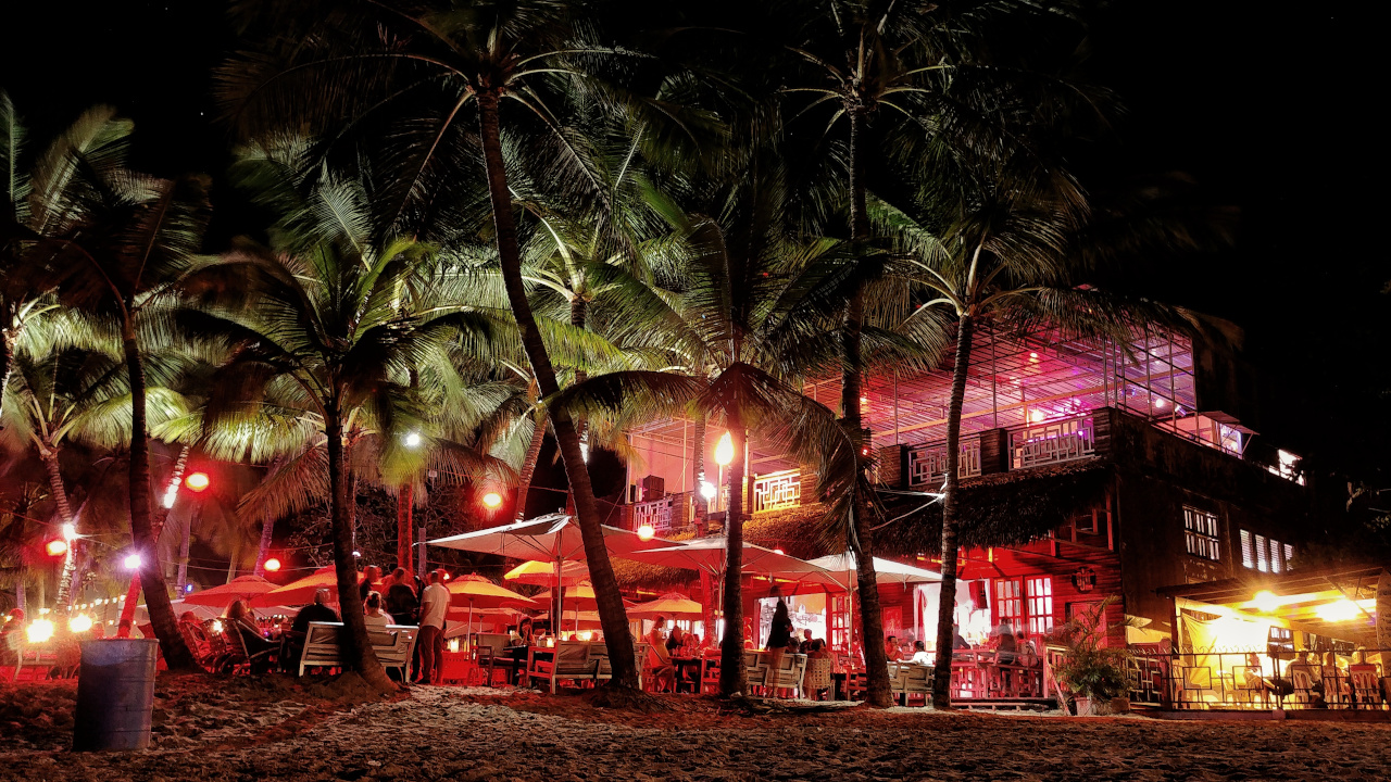 Cabarete at night is one of the top spots in the Dominican Republic. Discover the best places to visit in the Dominican Republic in one week from this itinerary