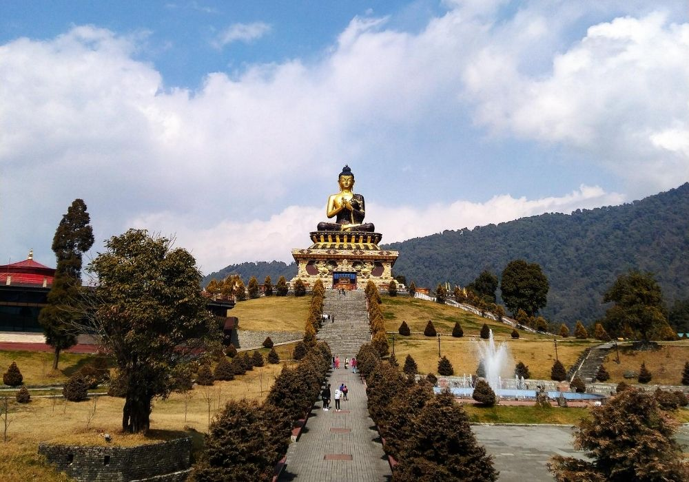 Buddha Park, Ravangla should be on your Sikkim itinerary. Discover how to spend 10 days in Sikkim, India from this article