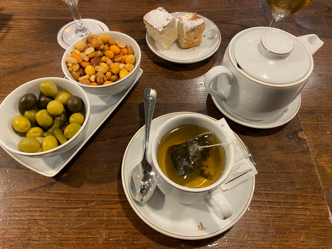 Olives are very popular in Spain. Discover what to eat in Spain - 16 Spanish foods to try - in this article