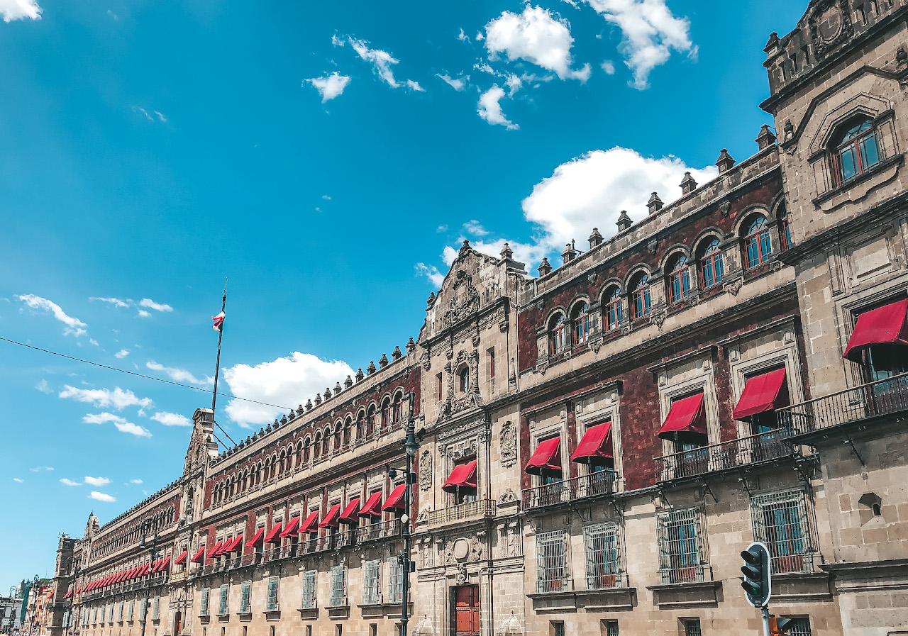 Palacio Nacional is one of Mexico City's tourist attractions. Discover how to spend 5 days in Mexico City from this article.