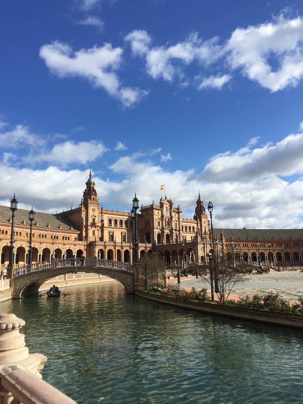 Plaza Espana, Seville. Read this article to discover everything you need to know before visiting Spain