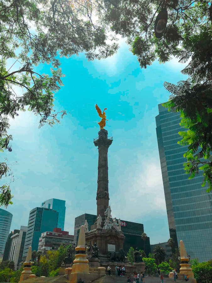 Avenida Reforma (Reforma Avenue) - Angel de la Independencia (Angel of Independence) Statue is one of the Mexico City's landmarks. Discover the best things to see and do in Mexico City in 5 days