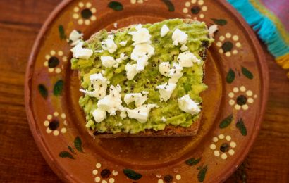 Avocado on Toast is one of the best Australian foods to try. Discover 11 more in this article
