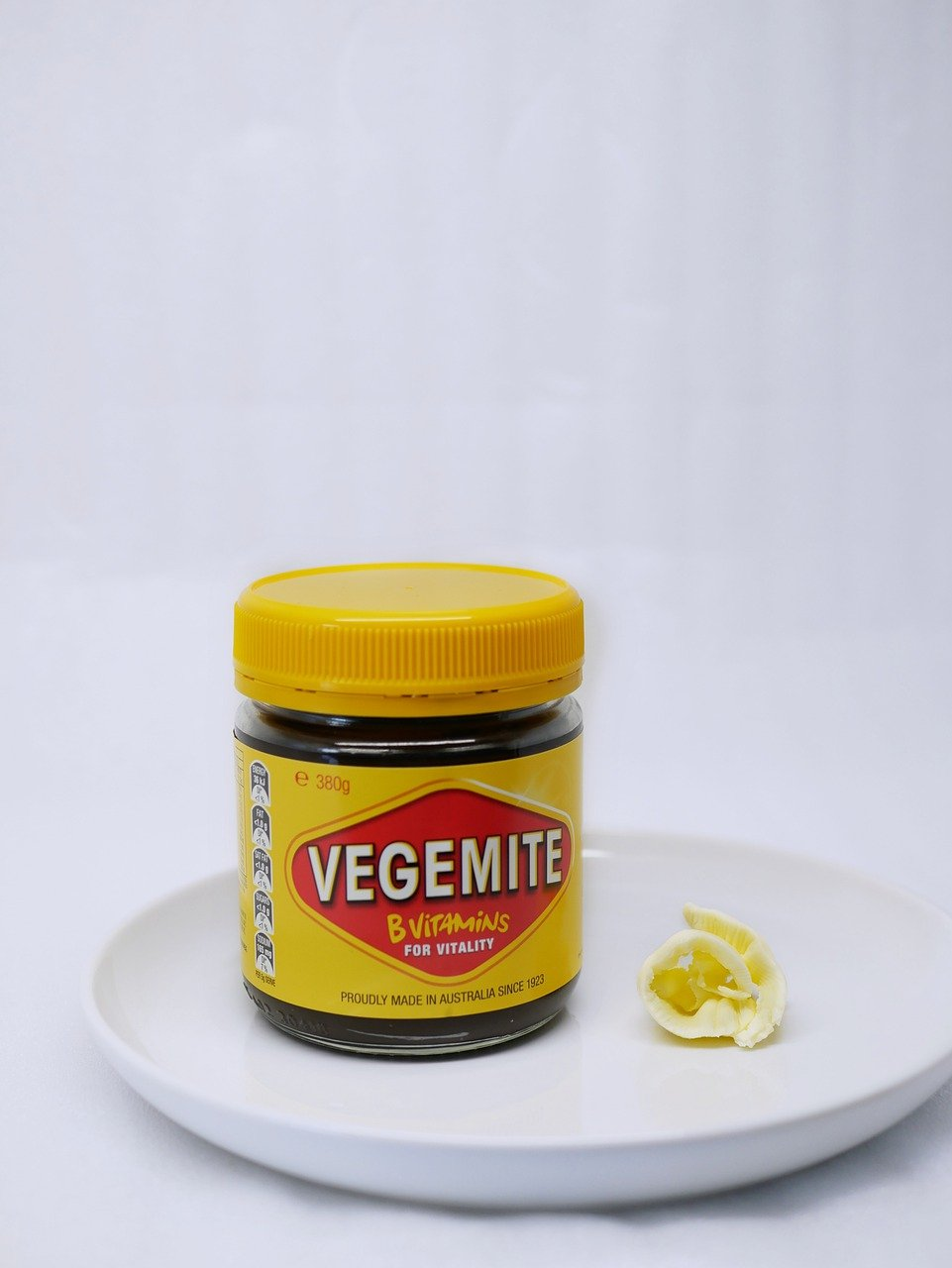 Vegemite is one of the most iconic Australian food. Discover 12 Australian dishes to try