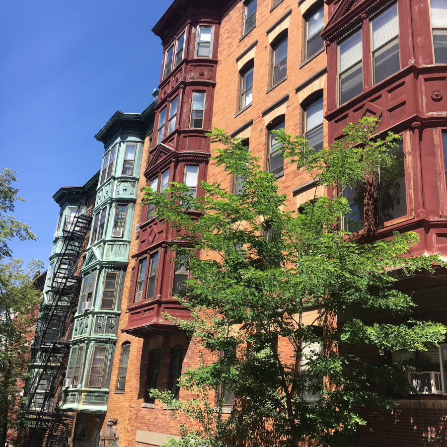 Back Bay is one of the best places to visit in Boston USA. This Boston guides presents you everything you need to know to go Boston sightseeing.