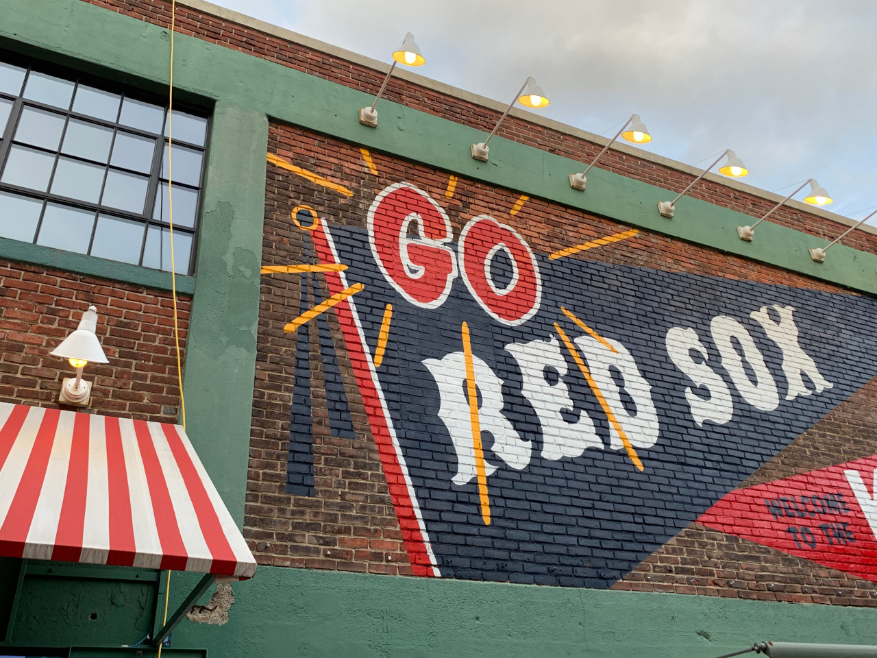 Fenway Stadium, home to Red Sox, is one of the best places to visit in Boston. Discover the top Boston landmarks as well as off the beaten path things to see from this article.