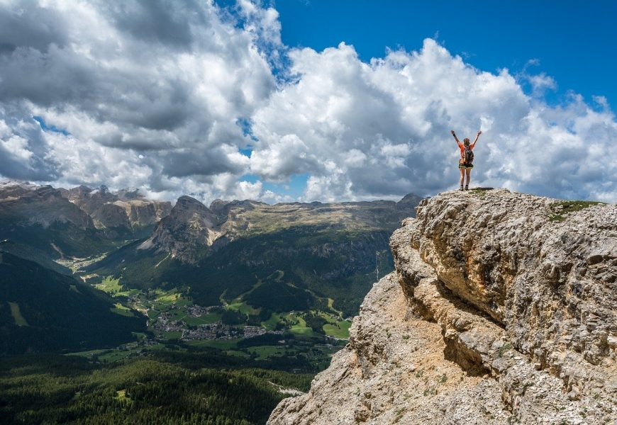 8 Challenges of Climbing a High Mountain